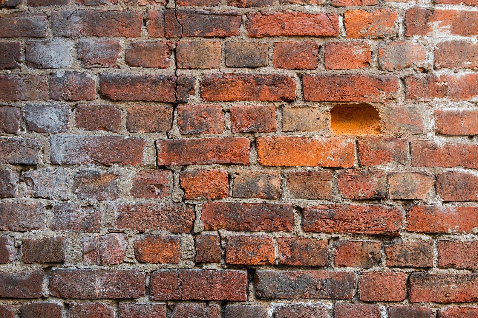 crumbling-exposed-brick-wall-renaissance-development-dc