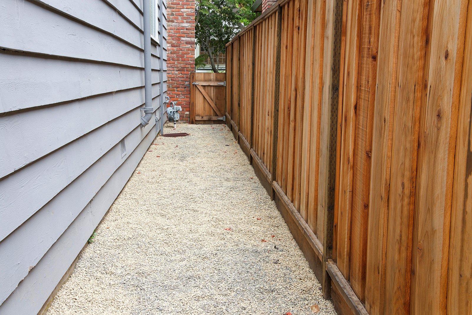new-fence-property-value-renaissance-development-dc
