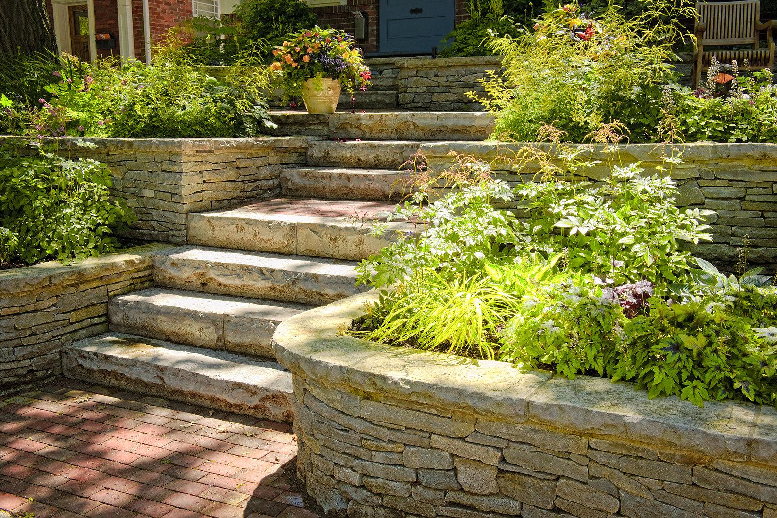 four-benefits-of-retaining-walls