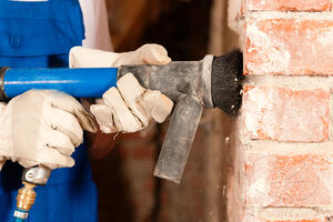tuckpointing-brick